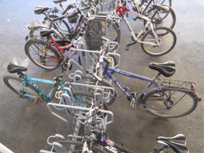 doppelseitige Radabstellung, doppelseitige Bügelständer, Fahrrad Bügelständer