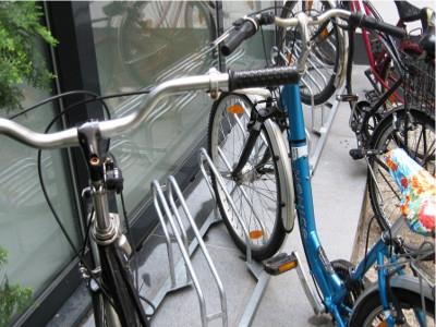 Radständer schräg, Fahrradständer schräg, Fahrradständer ENS, Fahrradständer schräg zur Wand